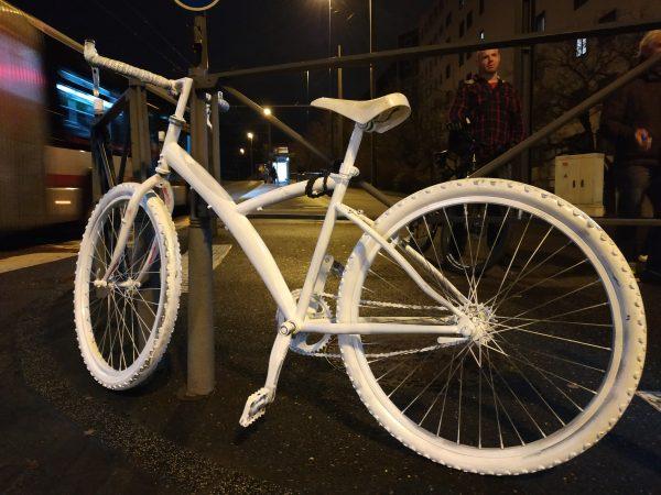 Le phénomène des Ghost Bikes (vélos fantômes)